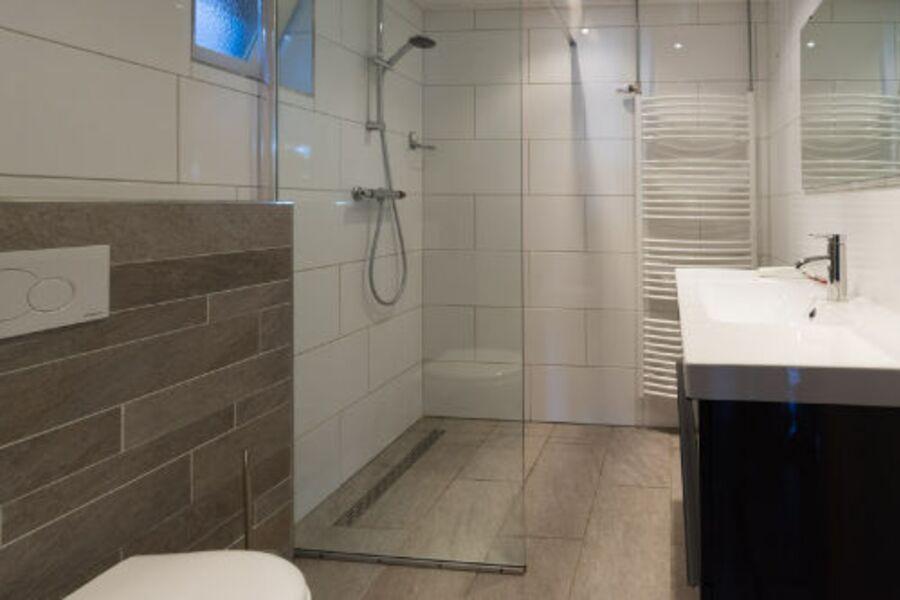 Badezimmer zur Ebene Erde