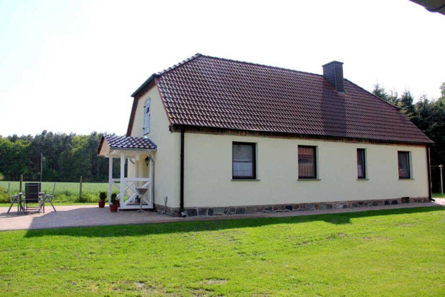 Ferienhaus auf großem Anwesen