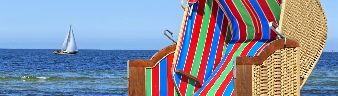 heikendorf ostsee strandkorb segelboot
